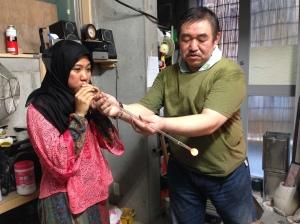 proses membuat kaca, untuk omiyage khas Jepang (Fuu rin)