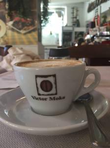 Orang italia tidak meminum kopi pada saat  siang hari