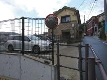jalan di depan situs perumahan takashima